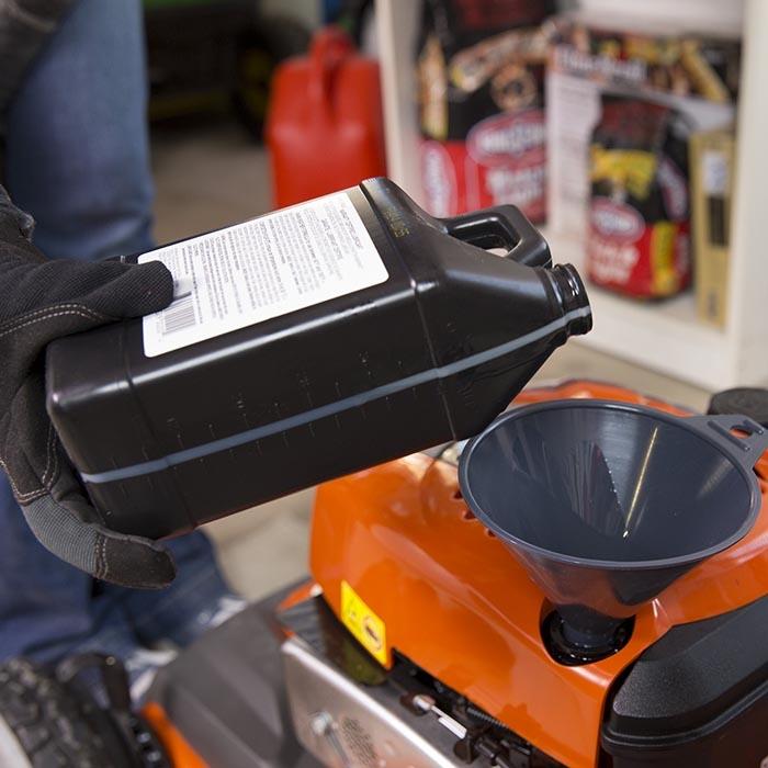 Kenőolajok, motorolajok, adalékok - Kerti gépek karbantartása