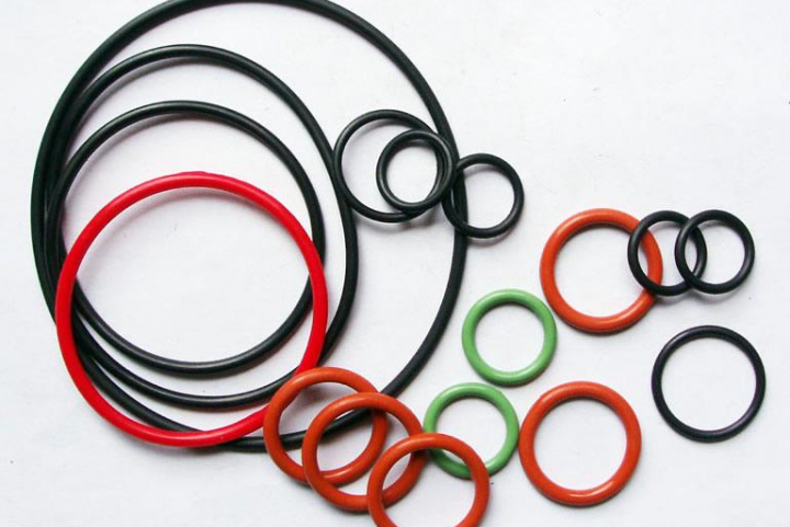 O gyűrűk, szimeringek – új termékkör üzleteinkben